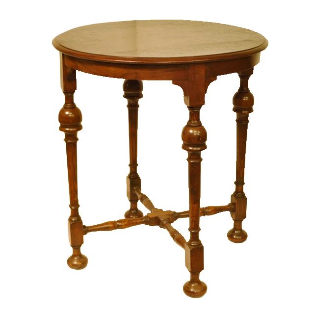 オーク材で作られたターン・インバーテッドカップという脚のデザインのアンティークオケージョナルテーブル