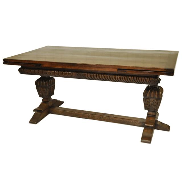 どっしりと存在感のあるバルボスレッグが印象的なオーク材で作られたアンティークレフェクトリー/ドローリーフテーブル
