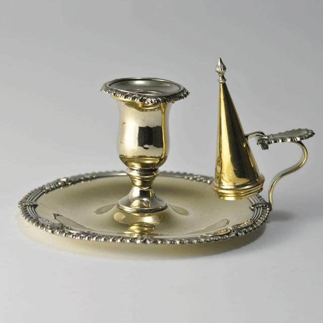 ブラス(真鍮)製アンティーク火消し付きキャンドルスタンド