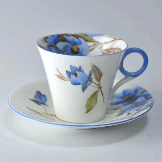 イギリスの名窯シェリー(Shelley)のSyringaシリーズのアンティークデミカップ&ソーサー