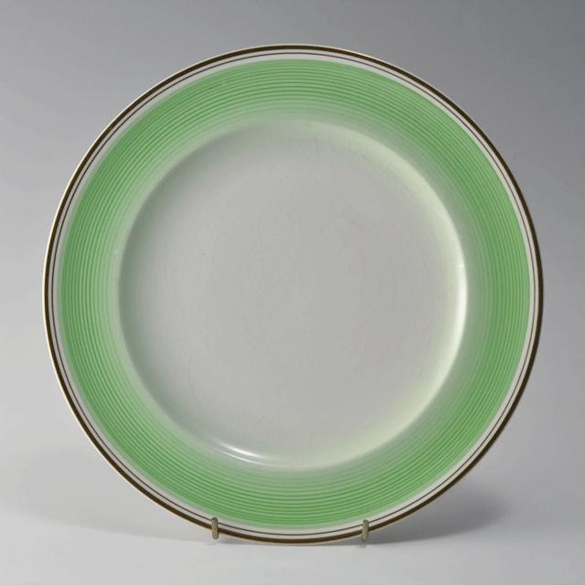 イギリスの陶磁器ブランド、シェリー(Shelly)の緑と金彩が爽やかな印象のアンティークプレート