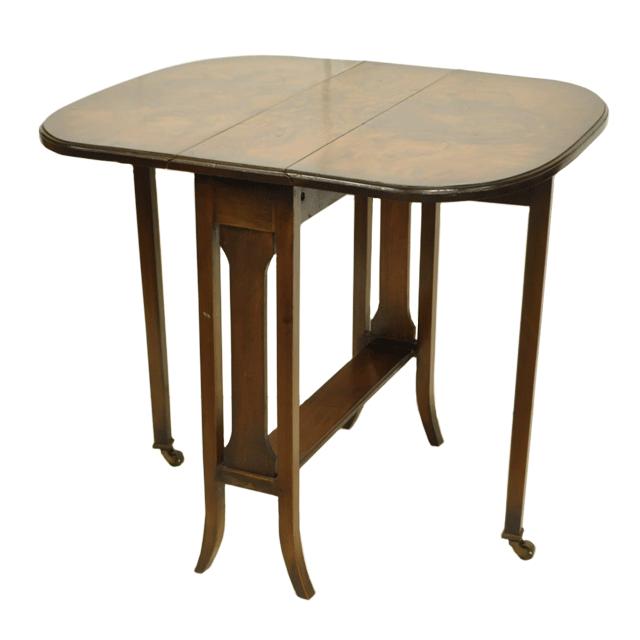 マホガニー材でアンティークバタフライテーブル