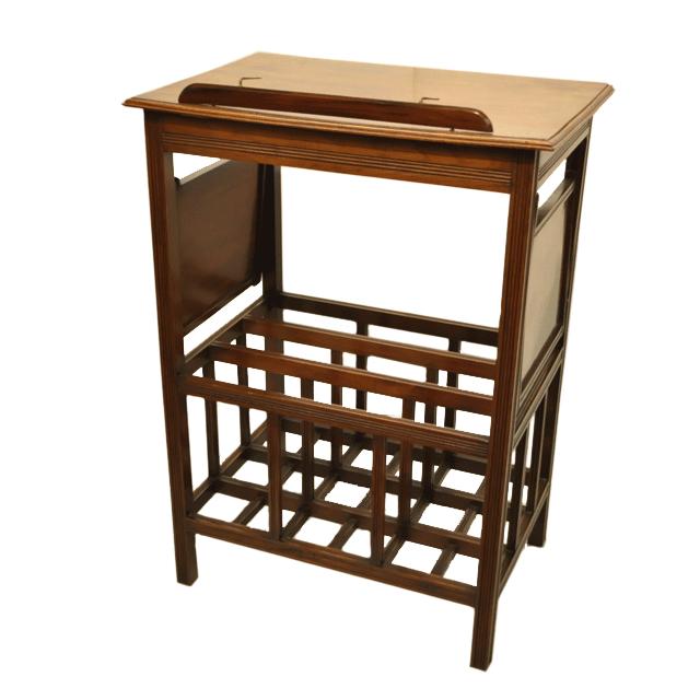 マホガニー材で作られたアンティークミュージックテーブル