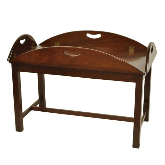 マホガニー材で作られたアンティークソファテーブル
