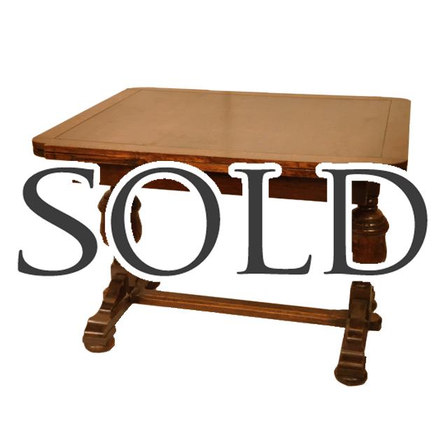オーク材で作られたスリムなバルボスレッグのアンティークドローリーフテーブル