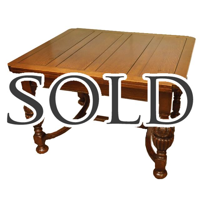 オークの無垢材で作られた、バルボスレッグを持つアンティークドローリーフテーブル