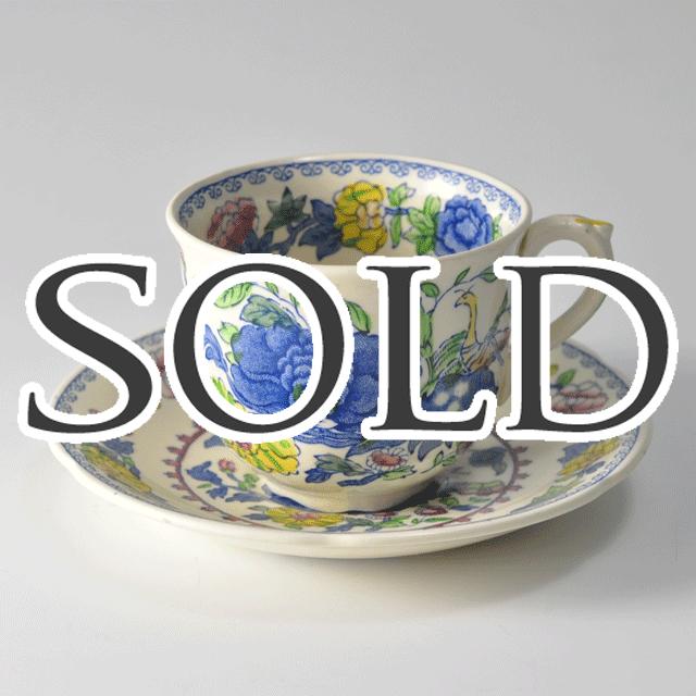 イギリスの老舗陶器ブランドメイソンズ(MASON'S)の鮮やかな色合いのアンティークティーカップ&ソーサー