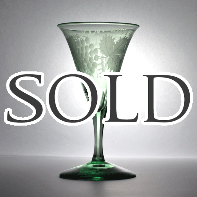 鮮やかなグリーンの色合いが綺麗なイギリス製アンティーク ワイングラスグラス