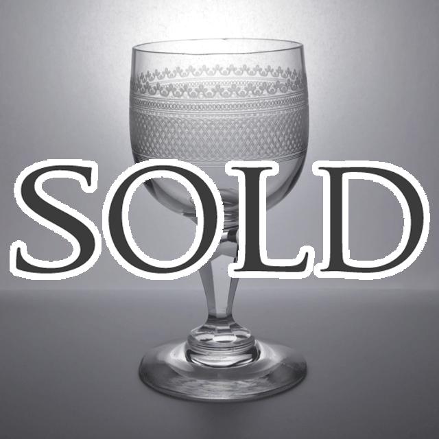 ハンドメイドで作られたアンティークワイングラス