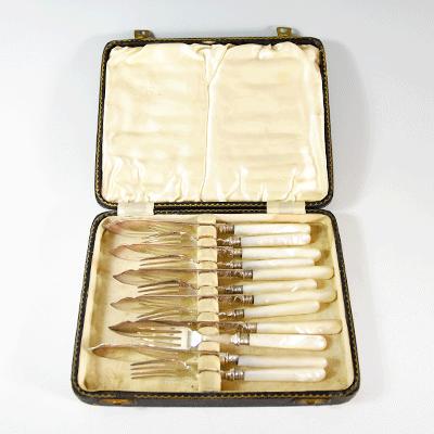 マザーオブパールのカトラリー フォーク&ナイフのセット 英国アンティークの食器 シルバーカトラリー